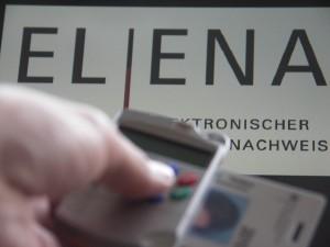Ohne elektronische Signatur und Lesegeräte kommt man bei Elena nicht weiter.